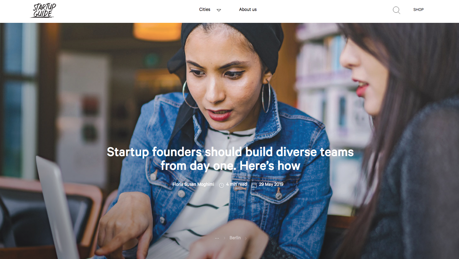 Schwarze Frau mit Hijab, darauf Text: Startup founders should build diverse teams from day 1.